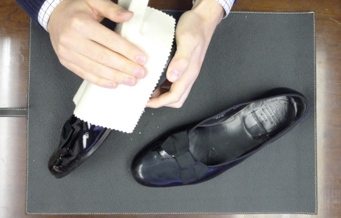 Shoe Care Guide 007