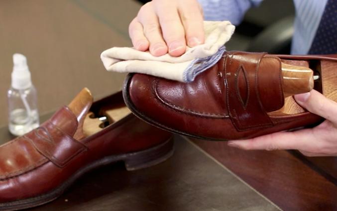 Shoe Care Guide 016
